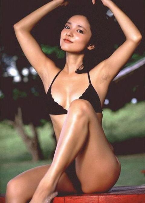 aki-bikini (1).jpg