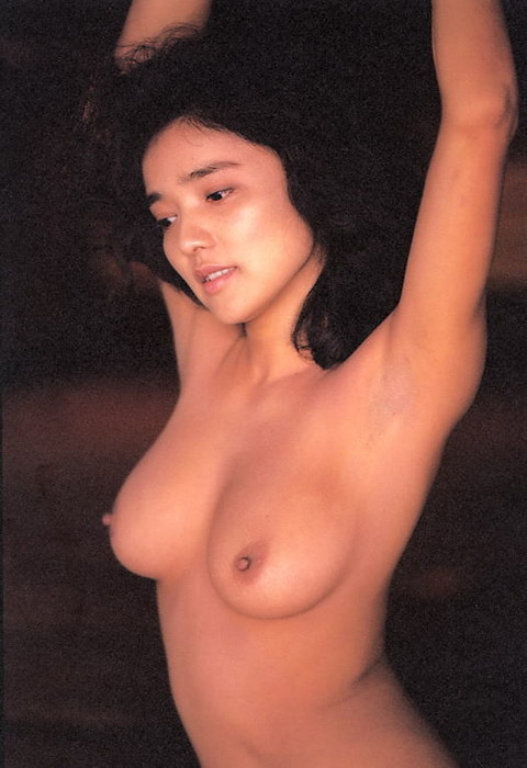 aki-nude (3).jpg