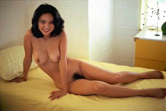 aki-nude (5).jpg
