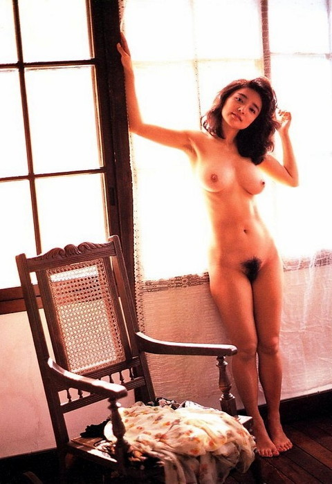 aki-nude (7).jpg